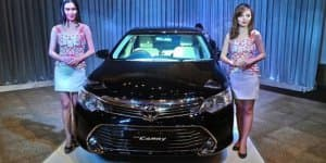 2015 Toyota Camry Facelift Launching on April 30, 2015 in India