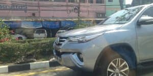 2016 Toyota Fortuner spied undisguised in Thailand