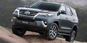 2015 Toyota Fortuner officially unveiled