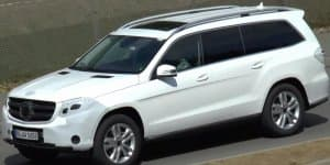 Video - Mercedes GL facelift spied performing final testing