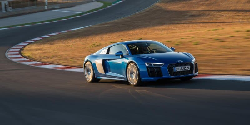 Audi R8 Coupe and R8 Spyder to Come with Personalized Side Blades