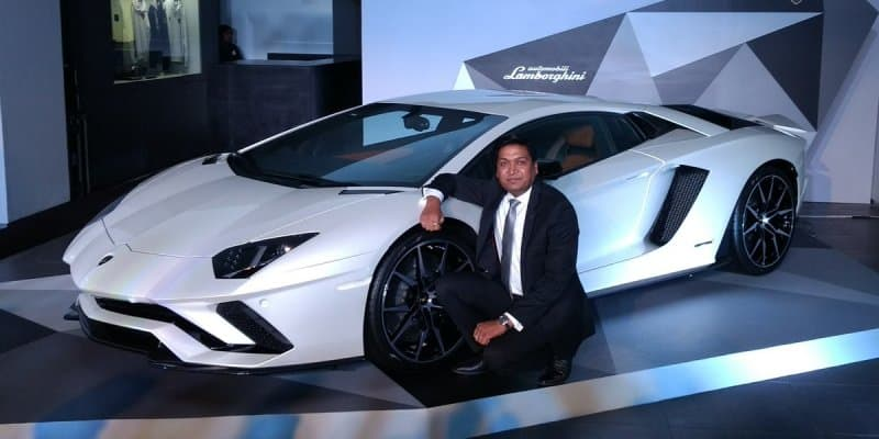 Lamborghni Aventador S Launched at Rs. 5.01 Crores