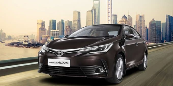 2017 Toyota Corolla Altis Launched at Rs. 15.87 Lakhs