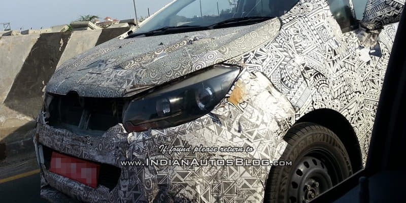 Mahindra U321 (codename) spied testing in complete camouflage