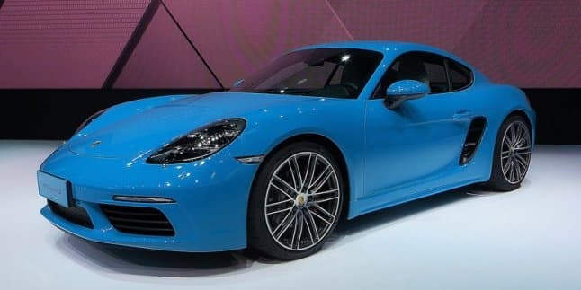 Porsche 718 Cayman unveiled at the Beijing Auto Show