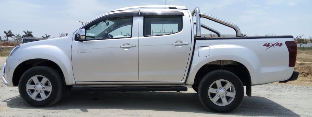 Isuzu DMax V-Cross - T...