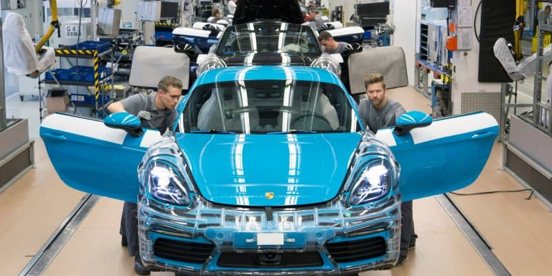 New Porsche 718 Cayman Production Starts