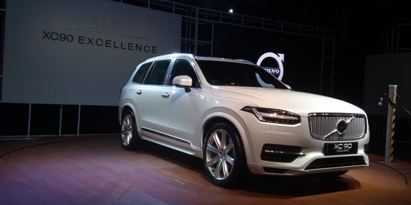 Volvo XC90 T8 Hybrid Launched at Rs. 1.25 Crores