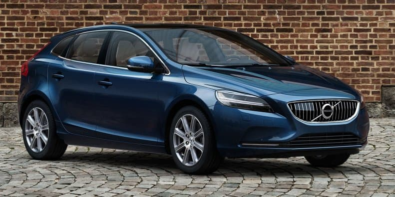 Volvo V40 and V40 Cross Country facelifts coming to India in December