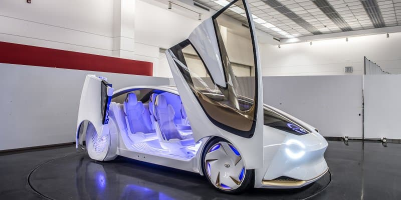 Video - Toyota unveils Concept-i with Yui Artificial Intelligence at CES 2017
